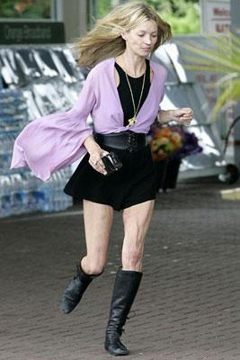Не верите своим глазам?! Да, это супермодель Кейт Мосс...Пожалуй, такой её трудно вообразить и в страшном сне.