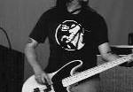 Басист Deftones впал в кому