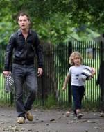 Джуд Лоу со своим сыном