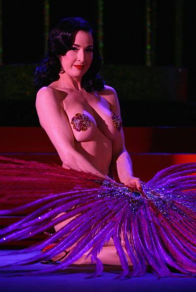 Королева бурлеска Дита фон Тиз создаст собственный парфюм