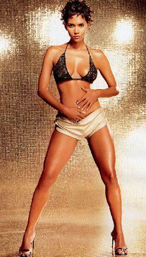 Холли Берри снялась в сексуальной фотосессии. Фото