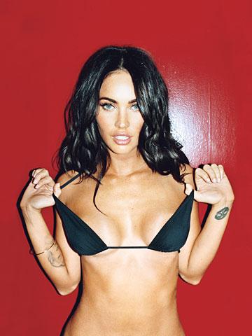 Меган Фокс обнажила роскошное тело в рекламе Armani. Фото. Видео