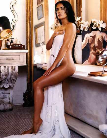 Сальма Хайек украсила обложку и страницы журнала Vogue