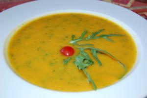Суп-пюре с овощами и руколой