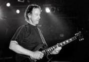 Гитарист The Doors записал новый альбом