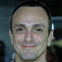 Хэнк Азария