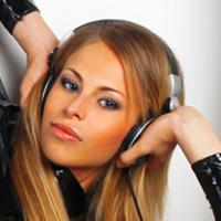 DJ She_