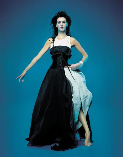 Новый альбом Эммы Шаплин - в продаже с марта