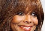 Младшая сестра Майкла Джексона пошла по его стопам