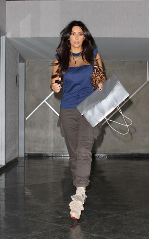 Ким Кардашян представила свои духи. Фото
