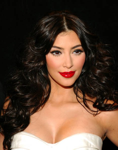 Ким Кардашян рассказала правду о своём бюсте