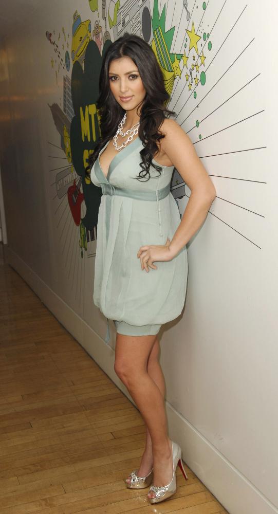 Ким Кардашьян подала на развод