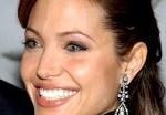 Анджелина Джоли презентовала коллекцию украшений Style of Jolie. Видео