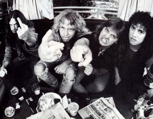 Новый альбом AC/DC нелегально скачали 400 тысяч раз