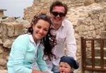 Пономарев не может поделить ребенка с женой