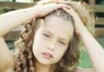Бывшая девушка Ди Каприо выложила детские фото