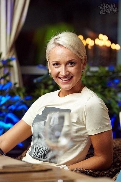 Ольга Бузова окольцует Тарасова