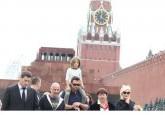 Хью Джекман в Москве играл с детьми на Красной площади