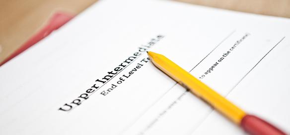 Курсы английского языка в IH стоят от 990 до 2990 грн за семестр, который в школе длится шесть недель. Стоимость зависит от расписания и количества уроков в неделю.