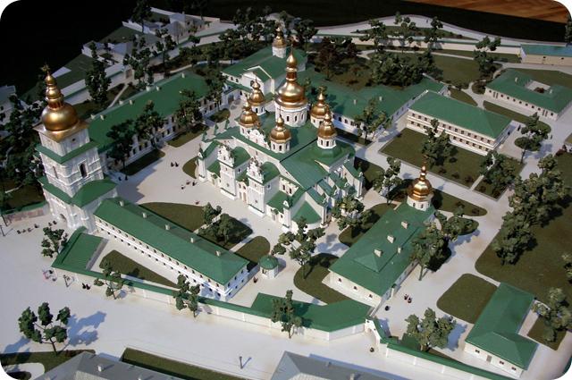 Модель Михайловского Златоверхого Монастыря в период 1914 года