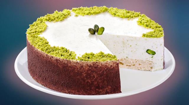 Фисташковый чизкейк: на основе белого бисквита и сливочно-фисташкового крема с добавлением свежих фисташек (265 грн.).