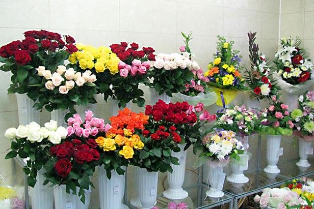 Цветы… они всегда уместны но какие