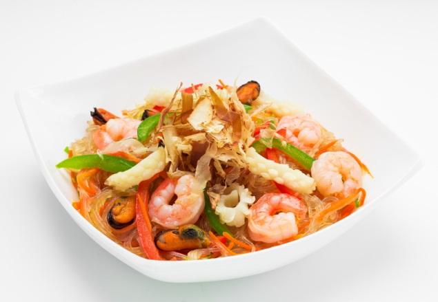 Мидии с фунчозой в сливочно-чесночном соусе безумно вкусный и полезный видео рецепт мидий с крахмальной стеклянной лапшой.