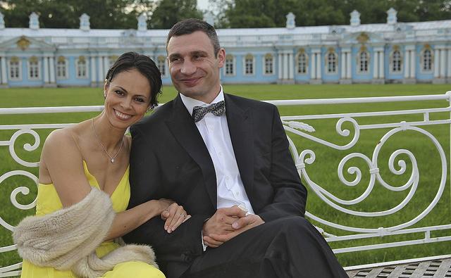 Владимир Кличко с супругой