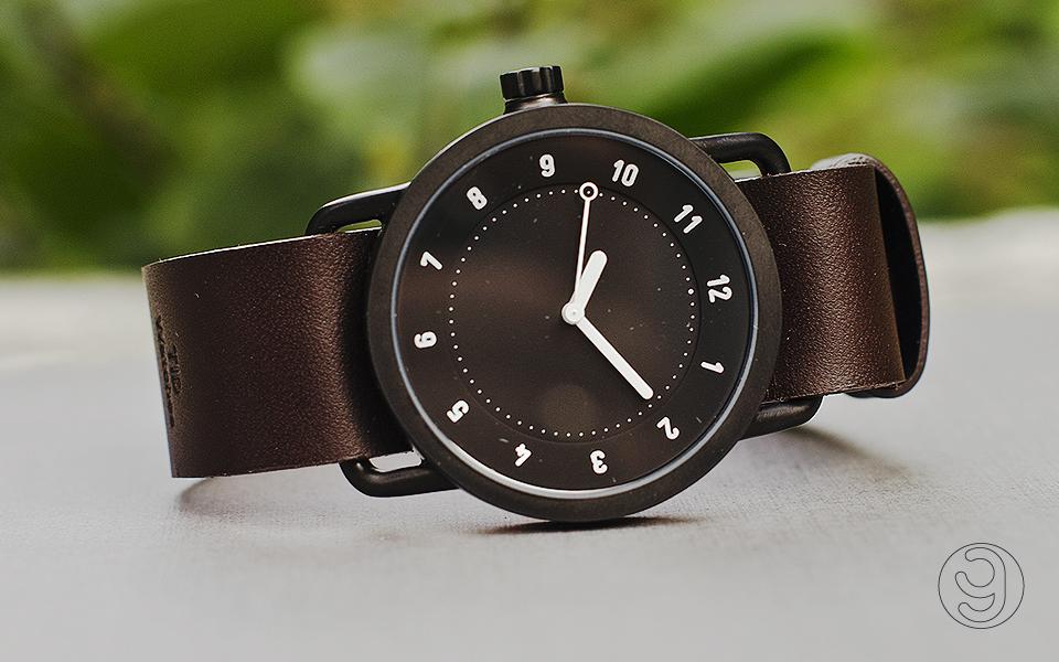 TID №1 Black Leather Walnut