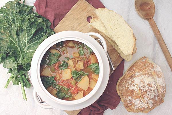 Суп с розмарином, вином и сельдереем
