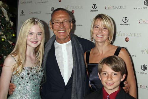 Кончаловский и Высоцкая с сыном и дочерью
