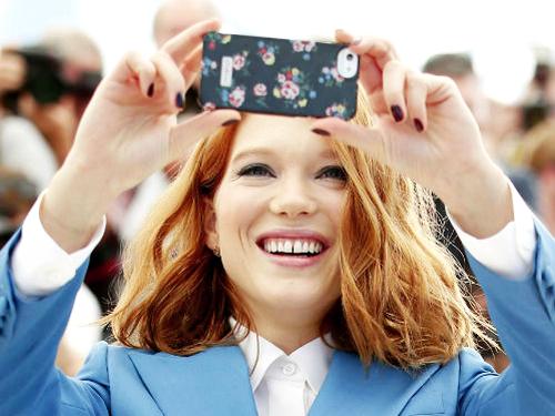Известные актеры и режиссеры больше не смогут фотографировать себя на красной дорожке