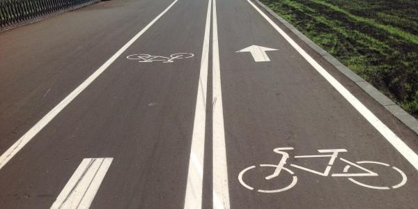 Работы по строительству велодорожки продолжаются