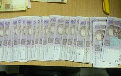 Мужчина украл 100 тысяч гривен, но его успела заметить охрана