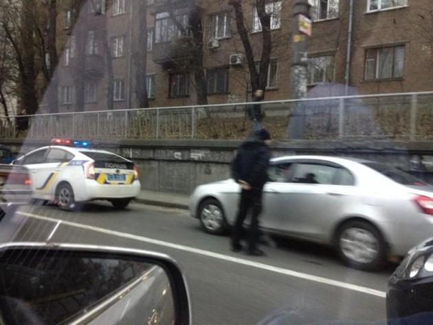 Патрульные штрафовали нарушителей за движение в полосе общественного транспорта