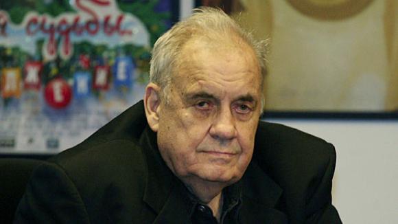 По мнению автора петиции, режиссер заслужил увековечивание памяти в Украине