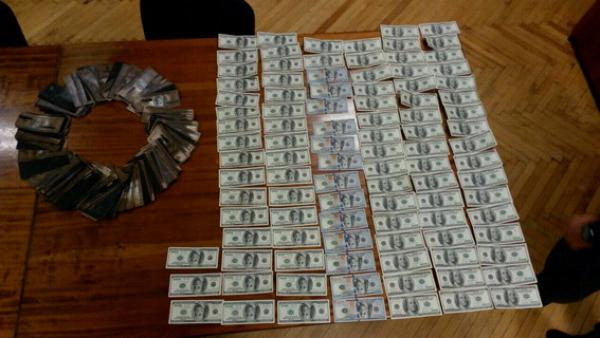 Злоумышленники хотели провернуть аферу с помощью денег киевлянина