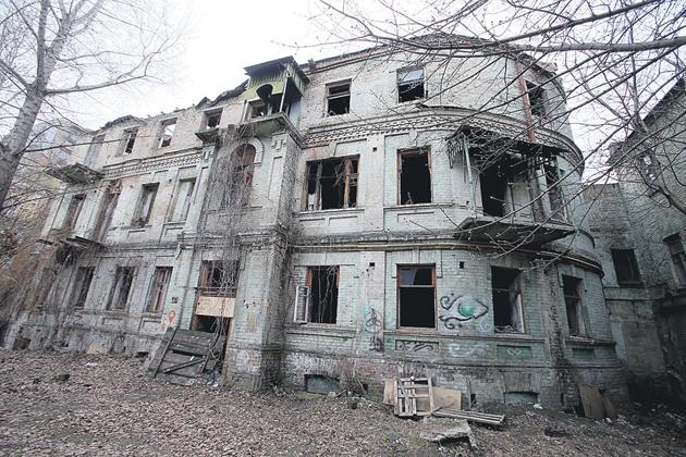 После трагедии с рухнувшим зданием власти выявили 200 опасных зданий