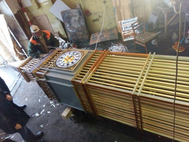 Креативная команда КО «Киевзеленстрой» в КП СЗН Днепровского района начинает монтаж башни с часами