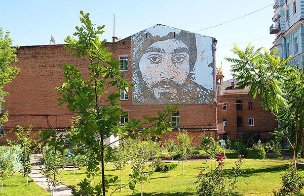 Суд не разрешил перепродажу земли под сквером на ул. Михайловской в Киеве
