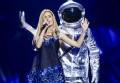 Евровидение 2016 первый полуфинал: участница от Молдовы вышла на сцену с космонавтом