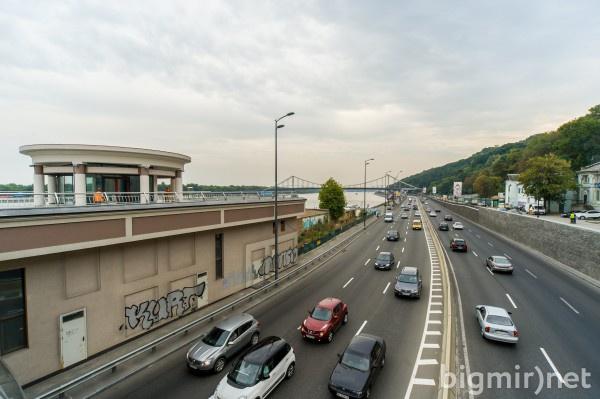 Наземные переходы на Крещатике, умные остановки и велодорожки - презентация новой транспортной политики столицы