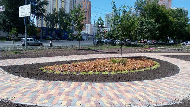 Киевсовет предоставил статус сквера площади размером 0,33 га на проспекте Лобановского еще в 2015 году