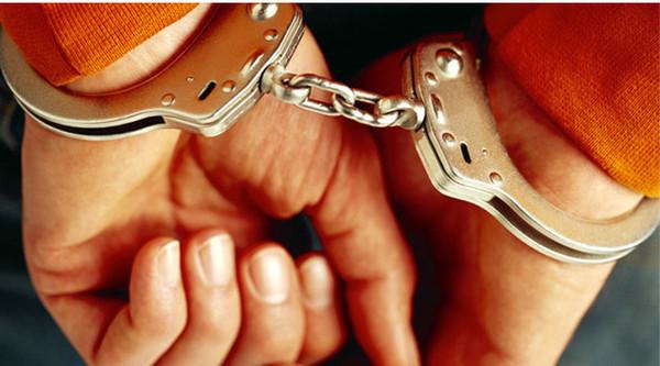 В Святошинском районе Киева подростки задержали одного из двух мужчин, подозреваемых в грабеже на улице Зодчих
