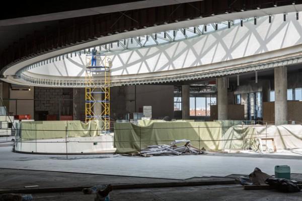 Реконструкцию киевского ЦУМА подходит к своему концу