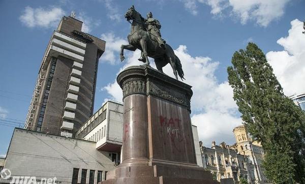 Монумент Николаю Щорсу в центре Киева может быть лишен статуса памятника монументального искусства