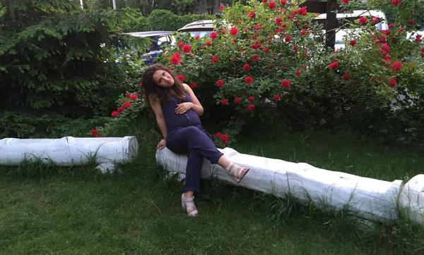 Родственница девушки Ирина Драбок сообщила, что у беременной Дарины Лаговской шок, и поблагодарила пользователей Facebook за помощь в поиске
