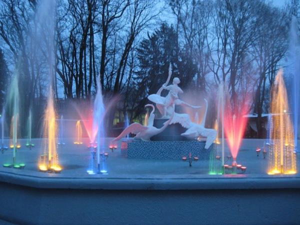 """Новозбудований музичний фонтан """"Івасик-Телесик"""". Фото rock.lviv.ua"""