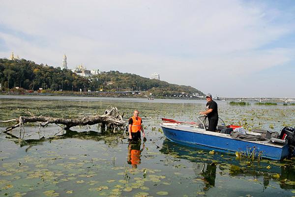 В киевской акватории Днепра уже образовалось 56 отмелей, которые могут стать островами