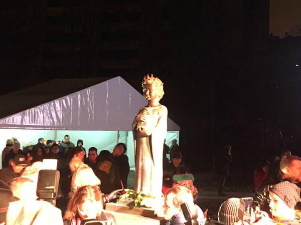 Скульптуру Анны Ярославны из бронзы установили на территории бывшего Ярославого двора - нынешней Львовской площади